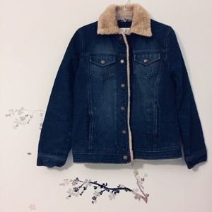 Vintage Denim Jacket with Fur Trim